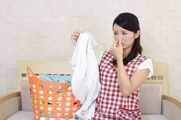 How To Get Smoke Smell Out Of Clothes: Steps That You Should